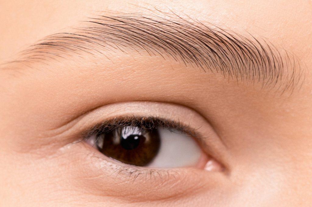microblading de cejas para pacientes de quimioterapia