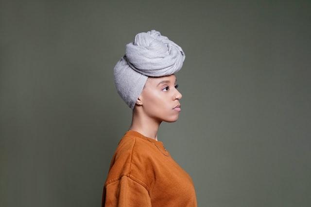 turbante oncologico o peluca