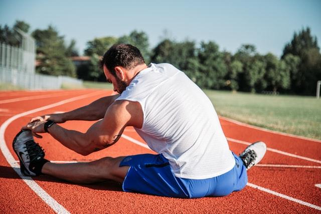 se puede practicar deporte con una prótesis capilar